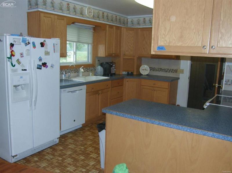 13500  Amman Rd,  Chesaning, MI 48616 by Remax Tri County $141,900