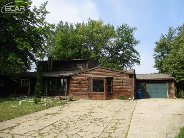 5086  Lakewood Dr,  Grand Blanc, MI 48439 by Legacy Realty Professionals $189,900