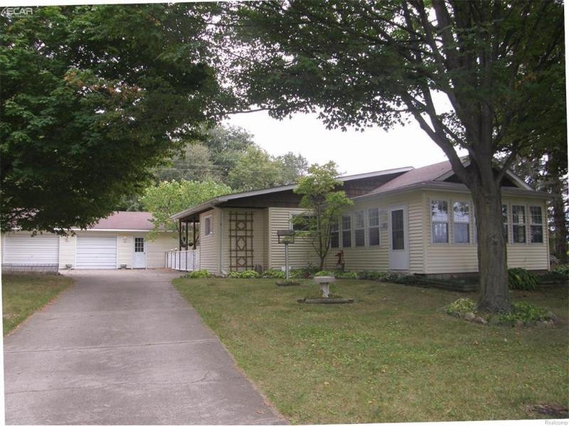 1484 S Delaney Rd,  Owosso, MI 48867 by Remax Tri County $119,000