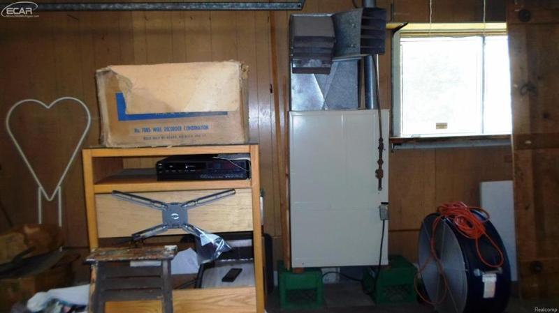 1233  Bonnie Sue,  Flushing, MI 48433 by Remax Select $169,900