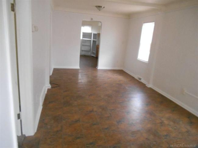 8087 Chalmers,  Warren, MI 48089 by Unity Real Estate $675