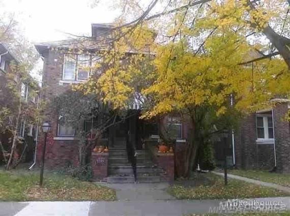 1092 Beaconsfield Grosse Pointe Park, MI 48230 by Grosse Pointe Apartments Llc $700