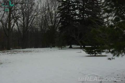39400 Utica Rd,  Sterling Heights, MI 48313 by Pilot Property Group Inc $179,000
