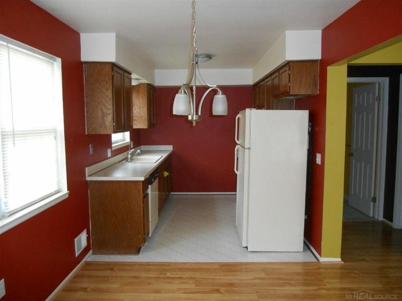 24655 Park Terrace,  Harrison Township, MI 48045 by Unity Real Estate $1,000
