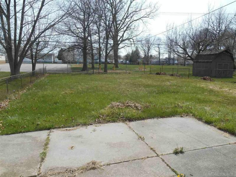 20156 Finley Clinton Township, MI 48035 by Unity Real Estate $900