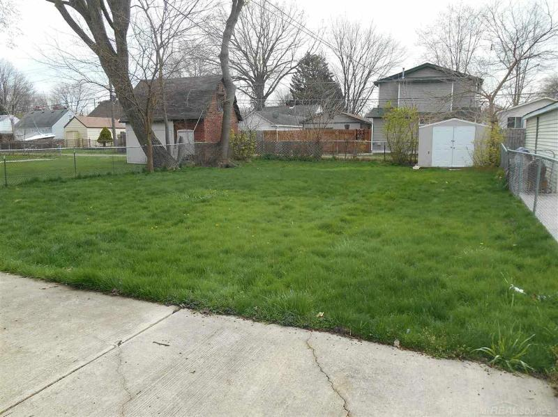 158 Dickinson Mount Clemens, MI 48043 by Unity Real Estate $725