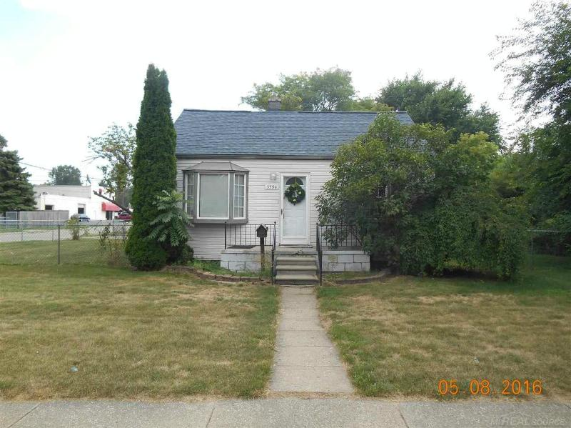 3594 Los Angeles Ave Warren, MI 48091 by Unity Real Estate $775