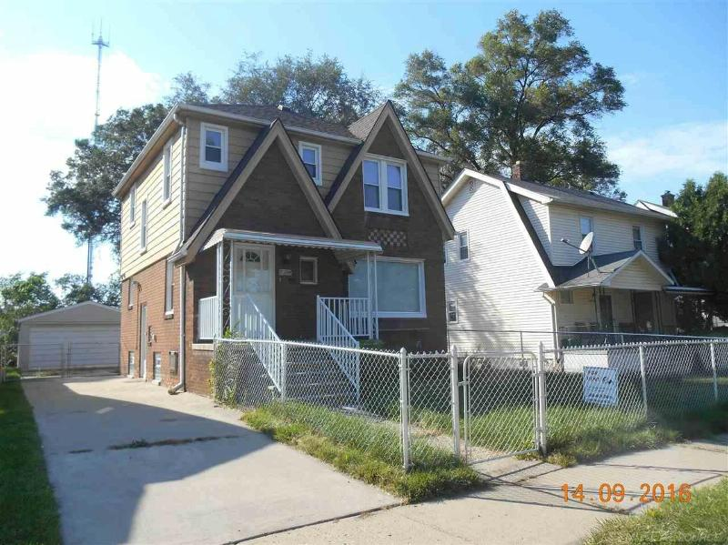 20841 Mendota Avenue,  Royal Oak, MI 48220 by Unity Real Estate $1,000