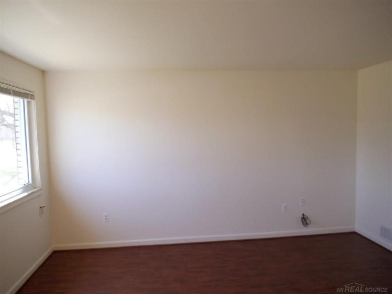 13625 Hendricks Ave,  Warren, MI 48089 by Unity Real Estate $975