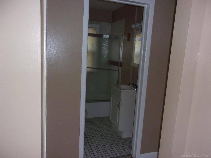 11346 Rivard Ave,  Warren, MI 48089 by Unity Real Estate $650