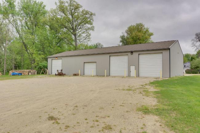 2595 Main Street,  Newaygo, MI 49337 by Great Lakes Signature Prop $104,000