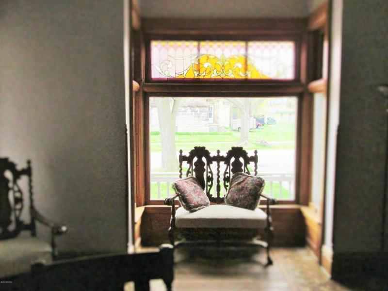 461 Fifth Street Manistee, MI 49660 by Coldwell Banker Alm Manistee $199,000