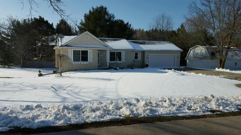 6414 Otis Road Saugatuck, MI 49453 by Shoreline Realtors $222,900