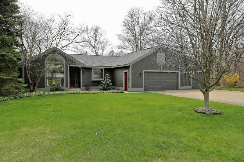 16324 Highland Drive,  Spring Lake, MI 49456 by Re/Max Lakeshore Grand Haven $418,500