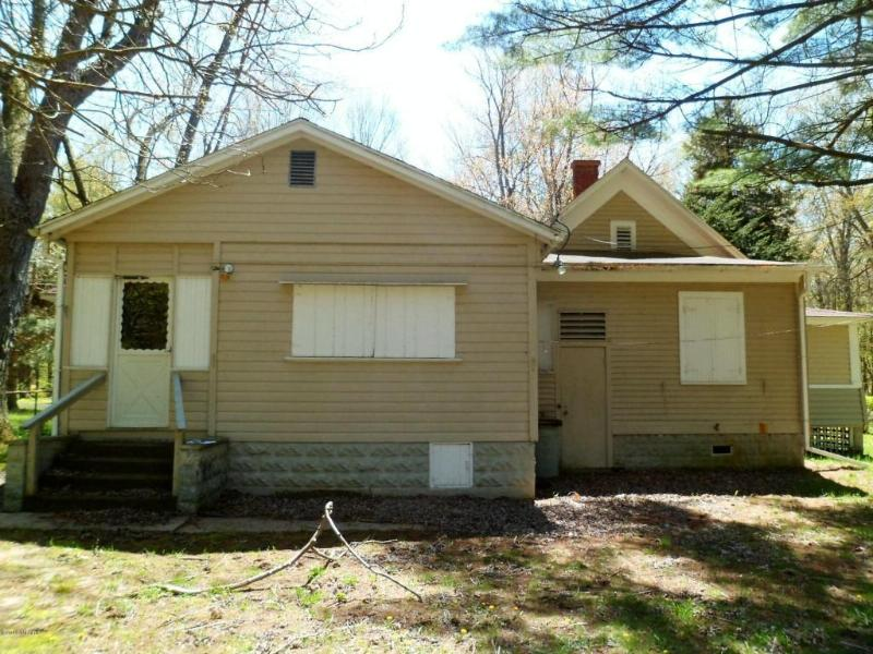6953 121st Avenue Fennville, MI 49408 by Keller Williams Realty Holland $209,500