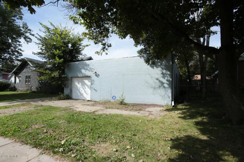31 Richards Place,  Battle Creek, MI 49015 by Berkshire Hathaway Homeservices Michigan Real Esta $71,000