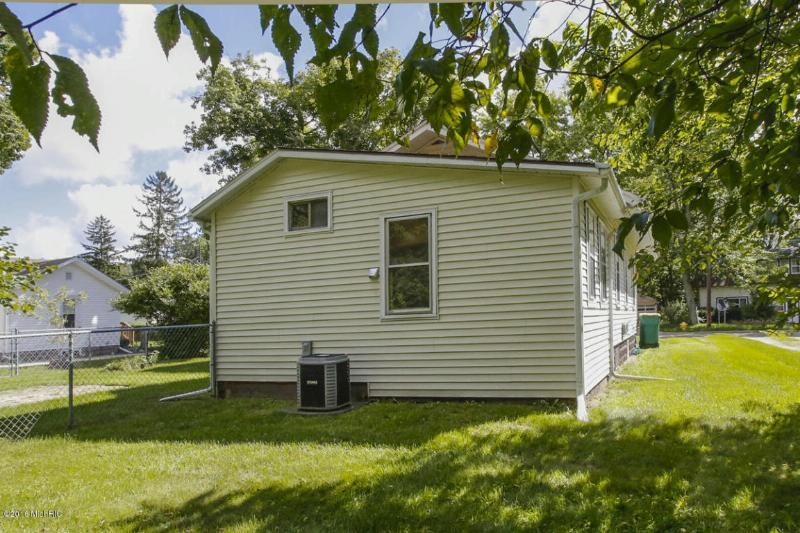 32 Allene Avenue,  Battle Creek, MI 49037 by Berkshire Hathaway Homeservices Michigan Real Esta $48,900