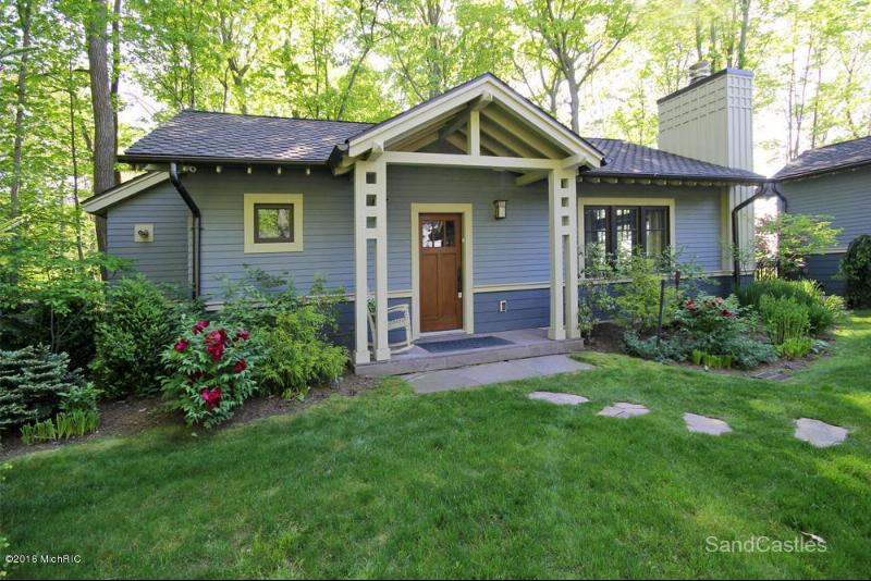 14684 Meadow Lane Lakeside, MI 49116 by Paradise Prop. Harbor Country $7,200,000
