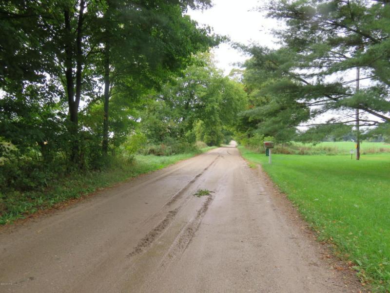 1750 W Edgar Road,  Six Lakes, MI 48886 by Coldwell Banker Schmidt Newaygo $349,900