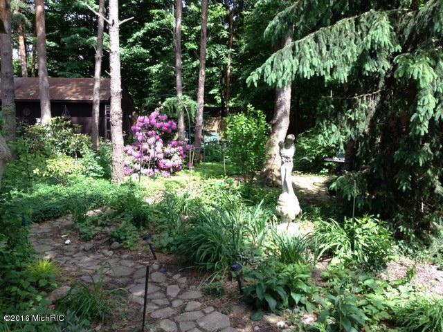 14034 Deer Cove Drive,  Holland, MI 49424 by Five Star Real Estate Lakeshore Llc $211,000