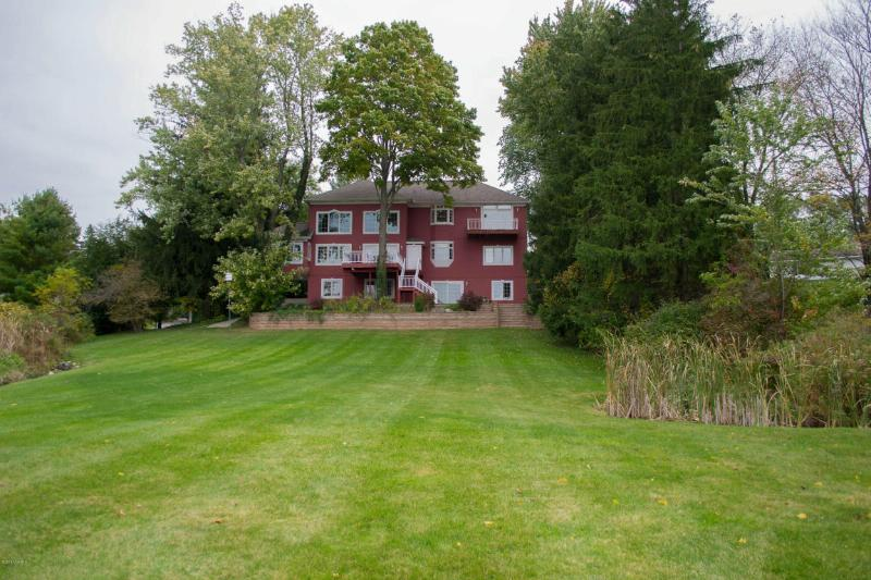 7300 Cascade Road,  Grand Rapids, MI 49546 by Midwest Prop Of Michigan(main) $845,000