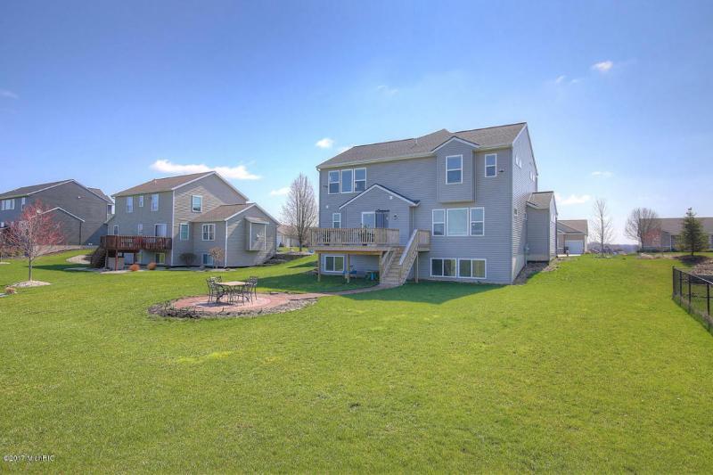 3337 Jamesfield Drive,  Hudsonville, MI 49426 by Berkshire Hathaway Homeservices Michigan Real Esta $335,000