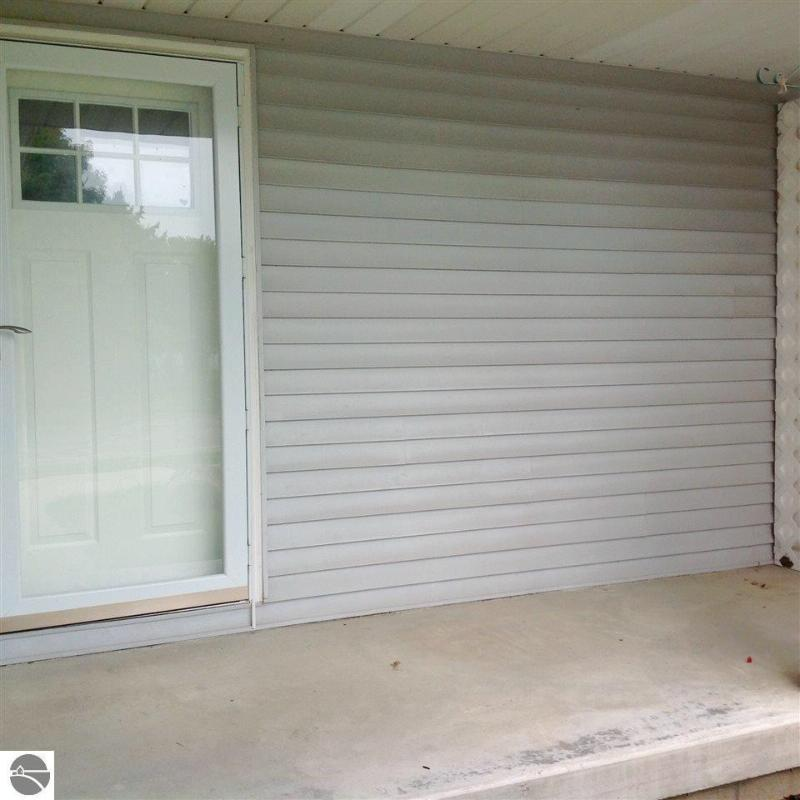912 S Crapo Street,  Mt Pleasant, MI 48858 by Coldwell Banker Mpr $120,000