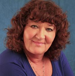 Portrait of Rhonda Elliott