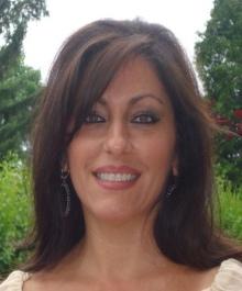 Lynda Kallabat