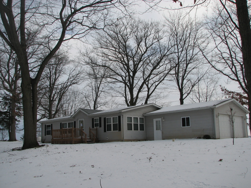 7835 Sand Rd. Pigeon, MI 48755 by Real Estate One $64,900
