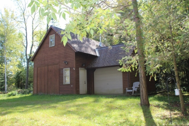 2247 S Lakeshore Road Harbor Beach, MI 48441 by Real Estate One $134,900