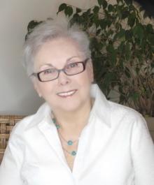 Portrait of Lynda Bacon Lawlis