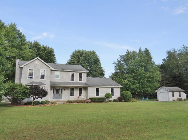 Listing Photo for 9845 York Woods Drive