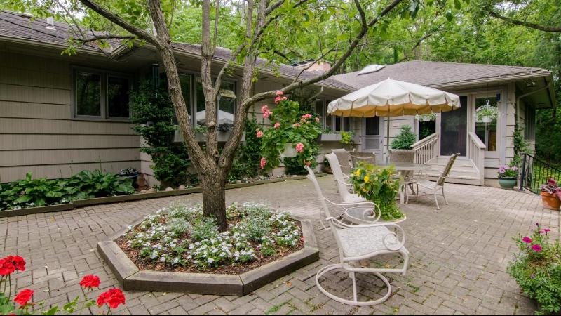 Listing Photo for 245 Orchard Hills Drive