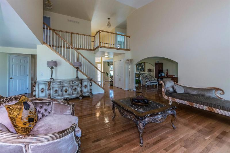 Listing Photo for 5996 Rollingwood Drive