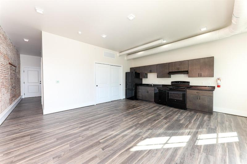Listing Photo for 400 N River 305