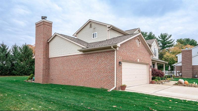 Listing Photo for 381 Fairways Lane