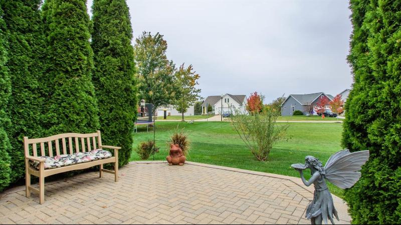 Listing Photo for 409 Chantilly Lane