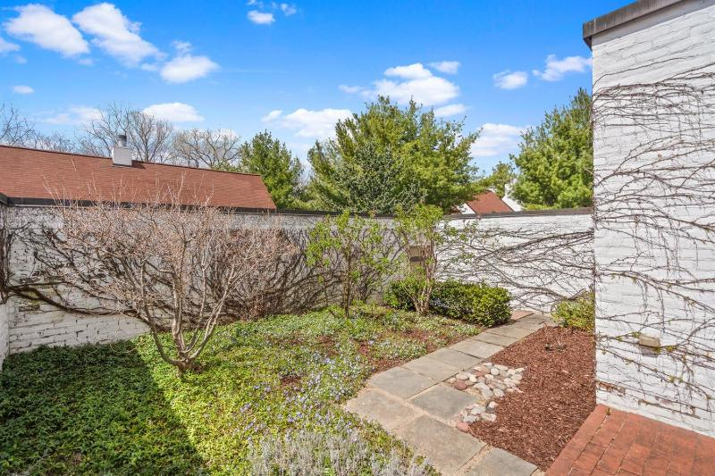 Listing Photo for 1055 Young Place