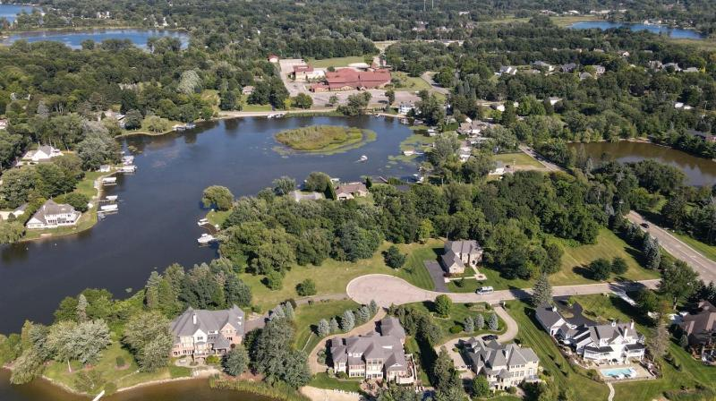 Listing Photo for 4 Hilton Pointe Ct