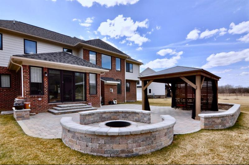 Listing Photo for 2419 Westbrooke Cir. N