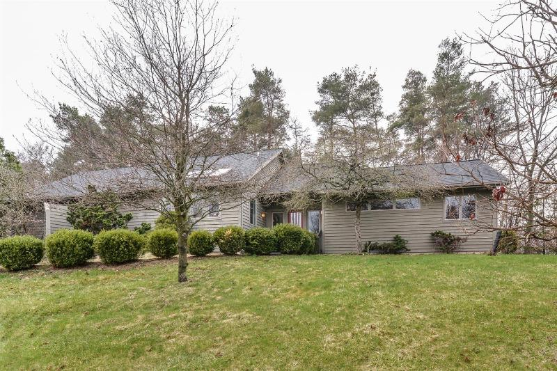 Listing Photo for 3828 E Pineview Drive