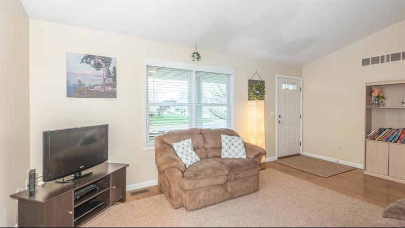 Listing Photo for 601 Sarah Lane