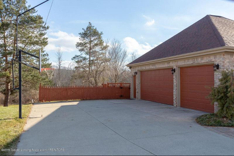 Listing Photo for 16887 Thorngate Road