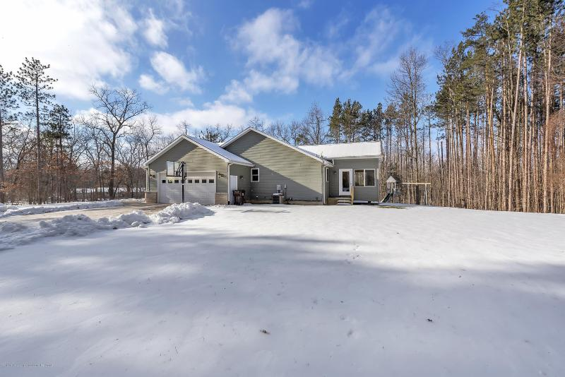 Listing Photo for 10753 Beardslee Road