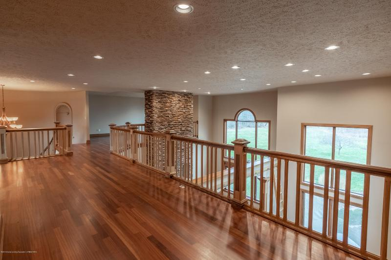 Listing Photo for 1553 N Ainger Road