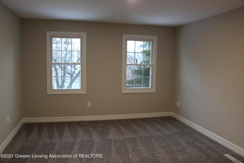 Listing Photo for 1304 Glenmeadow Lane 32