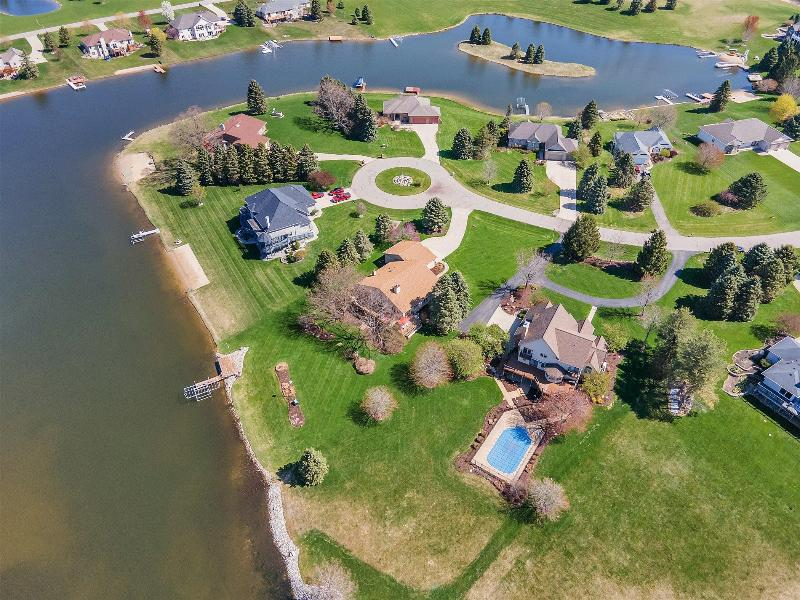 Listing Photo for 8685 W Lakeshore Drive