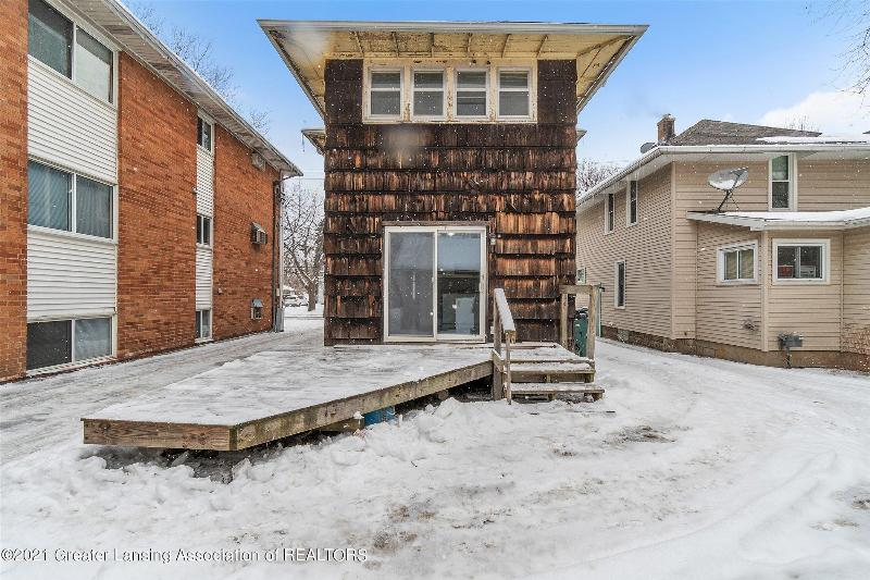 Listing Photo for 923 W Shiawassee Street