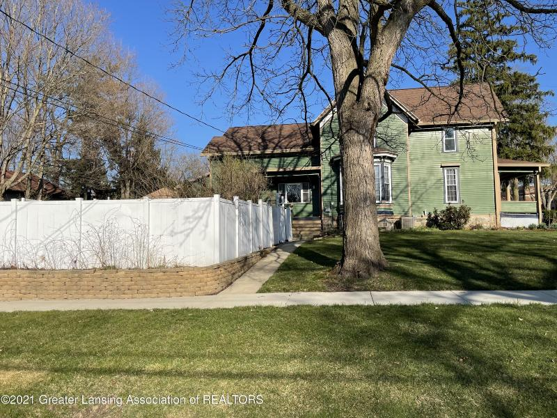 Listing Photo for 210 W Cass Street